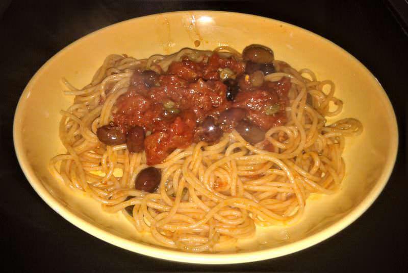 Spaghetti alla puttanesca ricetta originale