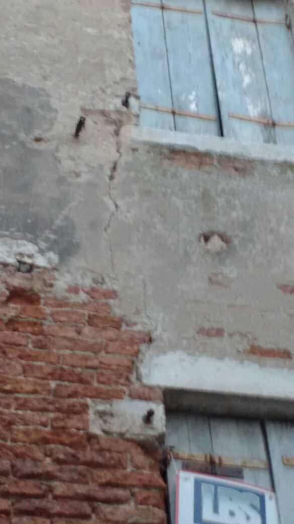Crepe nei muri come riconoscerle e come risolvere estroso - Crepe nei muri interni pericolose ...