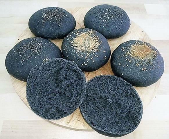 Panini per hamburger la carbone vegetale
