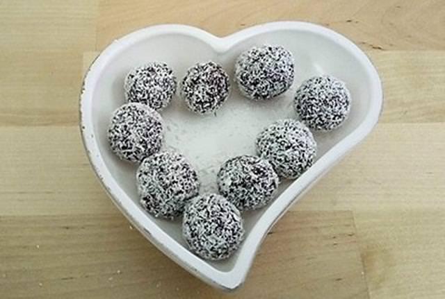 palline cioccolato e nocciole