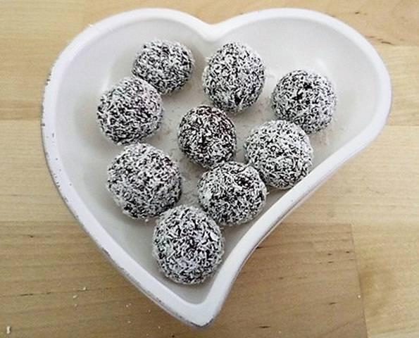 Palline di cioccolato e nocciole con cocco