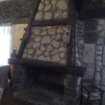 camino in pietra e legno