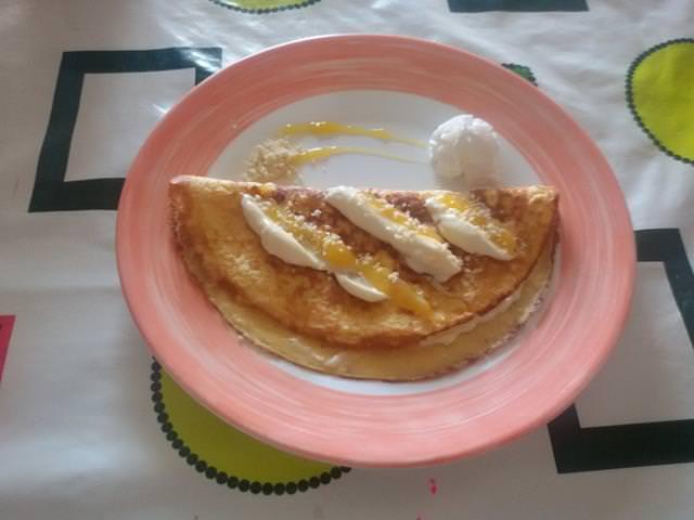 omelette con formaggio al passion fruit