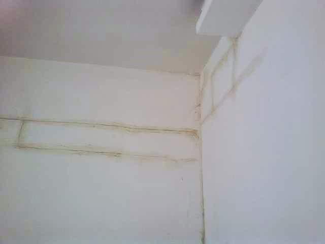 crepa orizzontale nel muro