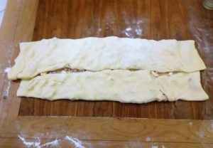 pan d'oro con prosciutto e formaggio