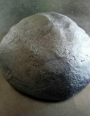 pasta frolla al carbone vegetale