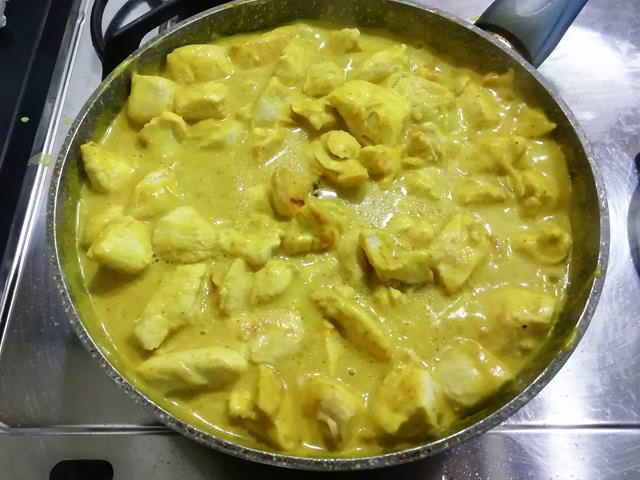 il pollo al curry pronto