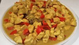 pollo curry e ananas