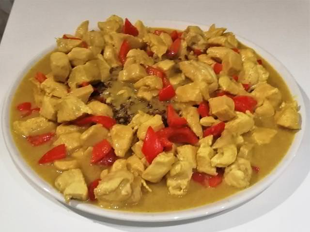 pollo curry e ananas