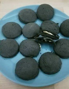 biscotti ripieni di crema di mandorle
