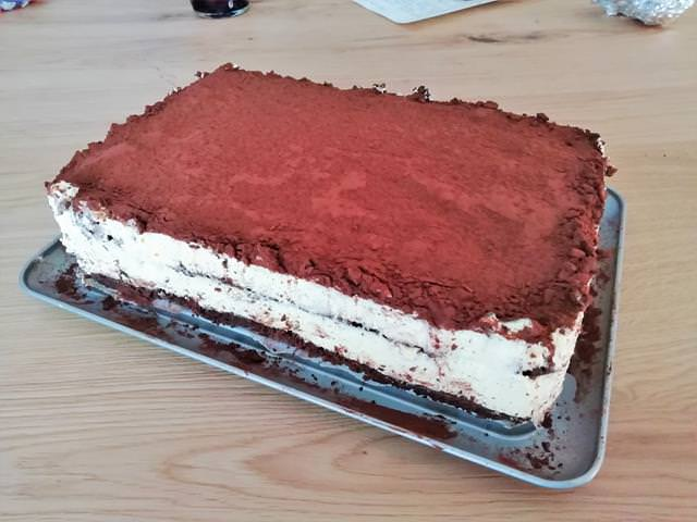 torta tiramisu pronta